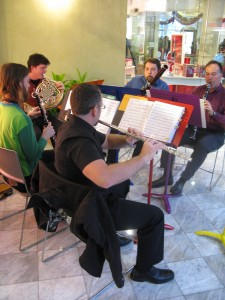 Zaptet Woodwind Quintet Plays at Stonestown Galleria in San Francisco